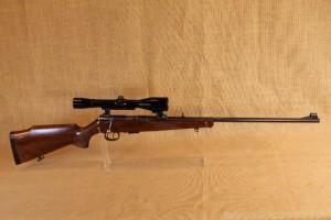 Carabine 22 Magnum Anschütz mod. 1515-1516 avec lunette 6X42.