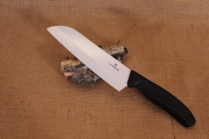 Couteau en céramique Victorinox Santoku  lame 17 cm