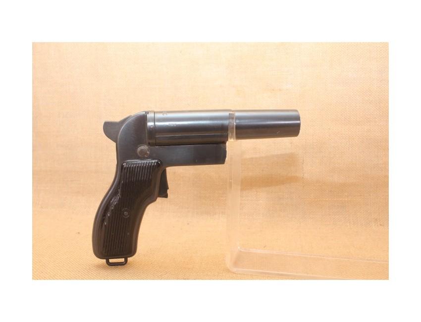 Pistolet  lance fusée Polonais calibre 4